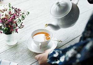 Canlandıran bahar yorgunluğu çayı